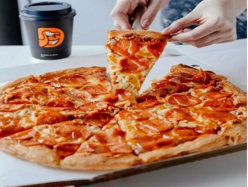 Банк МСП поддерживает предпринимателей: «Пицца счастья» взяла «нулевой» кредит на зарплаты